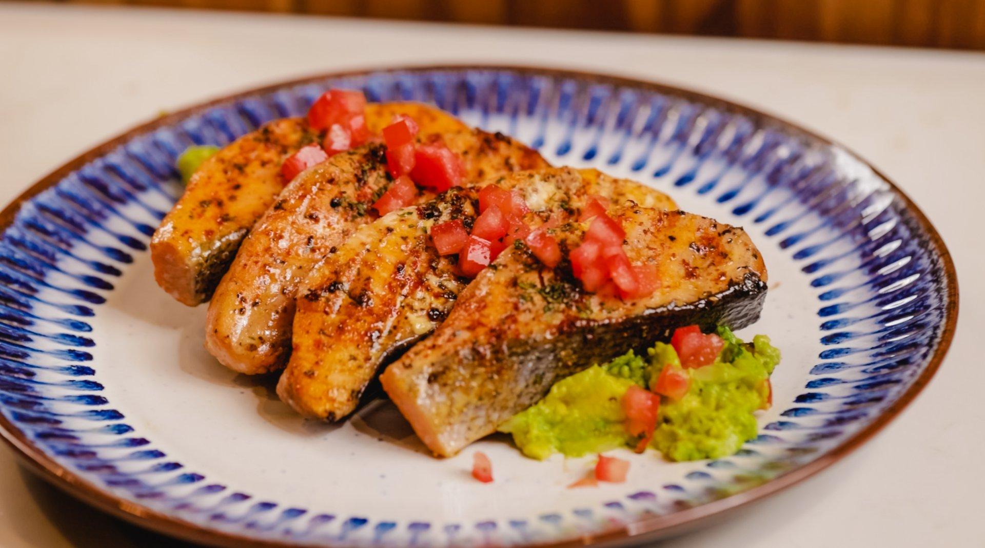Mexican Seared Salmon Escallopinos
